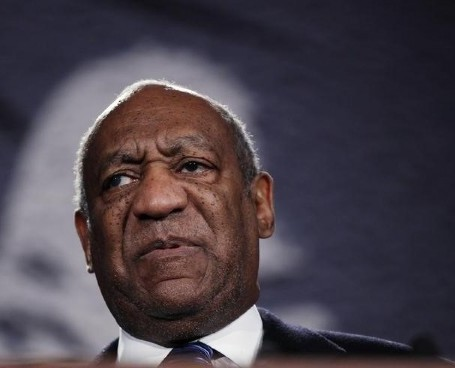 2014-11-22T232547Z_1007480001_LYNXNPEAAL0A3_RTROPTP_3_PEOPLE-US-PEOPLE-BILLCOSBY-3052